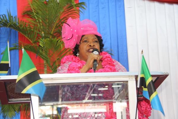 Mchungaji wa Kanisa la Assemblies Of God Mikocheni, Dk. Getrude Lwakatare