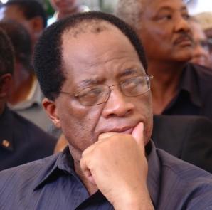 Mwenyekiti wa Kamati ya uandishi ya Bunge Maalumu la Katiba, Andrew Chenge