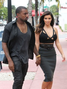 KIM KARDASHIAN and Kanye West Out Dinner