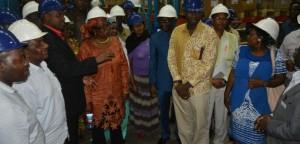 Wabunge walio katika Kamati ya Ukimwi wakiwa katika ziara yao ya kutembelea Ofisi ya Mkemia Mkuu wa Serikali.