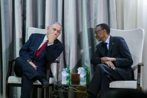 Waziri Mkuu wa Israel Benjamin Netanyahu kushoto na Rais wa Rwanda Paul Kagame.