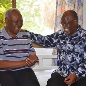 Rais Dk. John Magufuli (kulia), alipokwenda kumjulia hali Samuel Sitta hivi karibuni.