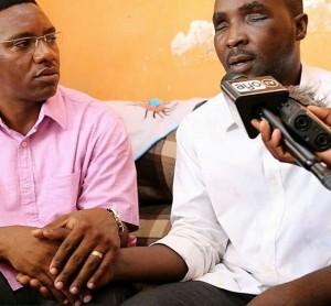 Mkuu wa mkoa wa Dar es Salaam akiwa na kijana Said Ally aliyeruhuiwa kwa kutolewa macho na Scorpion
