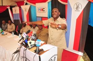 Mwenyekiti wa Chadema, Freeman Mbowe, akizungumza Dar es Salaam jana kuhusu kuahirishwa kwa maandamano na mikutano iliyopangwa kufanyika mwezi huu.