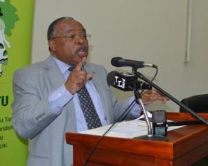 Waziri wa Maliasili na Utalii, Profesa Jumanne Maghembe